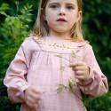 Robe brodée lange bois de rose Hermance
