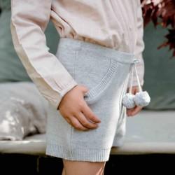 Short tricot gris perle...
