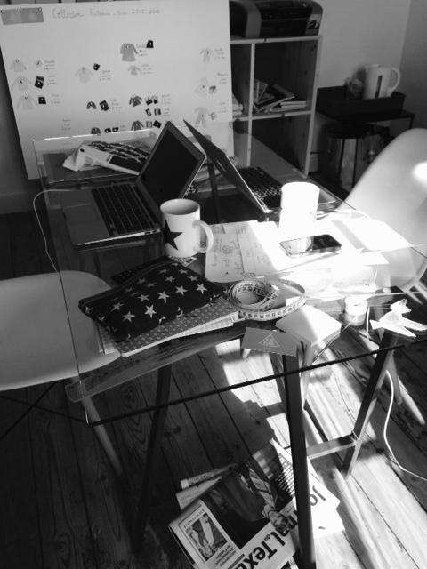 bureau noir et blanc